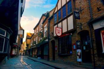 Things to see in York - Unique shopping streets